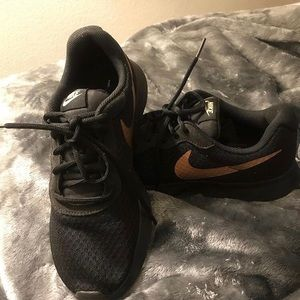 Women's Tanjun Nike Shoes